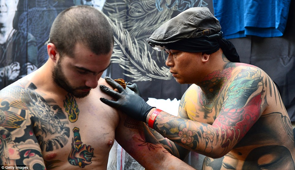 A simple gift is some acceptable with Japanese tattoo artist as a sign of gratitude